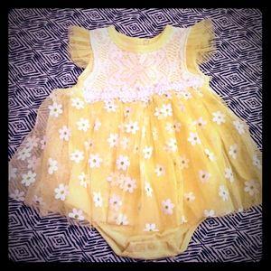 Duck Goose girl yellow floral bodysuit daysi 3-6mo